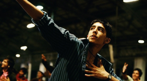 slumdog-millionaire-dev-patel-dancing